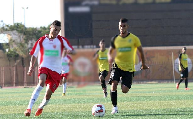 Football: l'Algérie interdit les recrutements à l'étranger