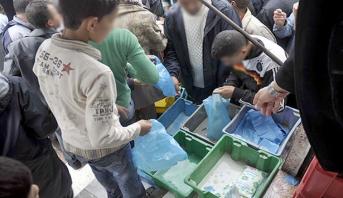 """صحف جزائرية : الحصول على """"كيس حليب"""" يؤرق بال المواطنين"""