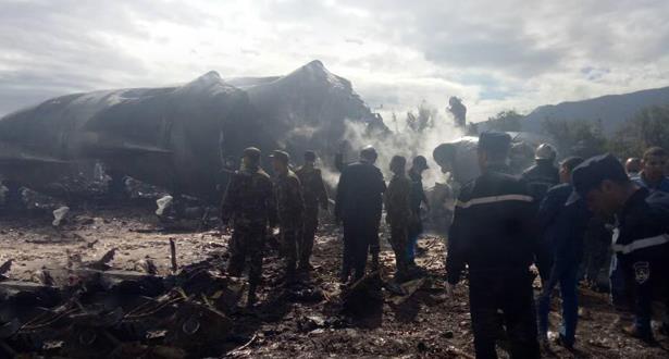 Crash d'un avion militaire près d'Alger: le bilan s'alourdit