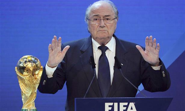 Scandale de la FIFA : Joseph Blatter sur le fil du rasoir