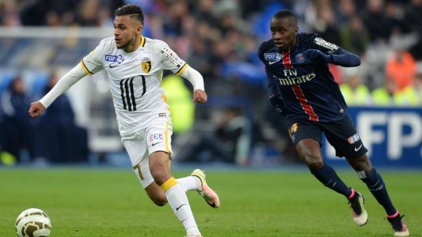 """انتهاء الموسم الكروي لسفيان بوفال وتأكد غيابه عن """"أسود الأطلس"""" أمام الكونغو"""