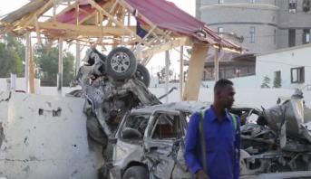 الصومال.. 45 قتيلا  في تفجيرين انتحاريين بمقديشو