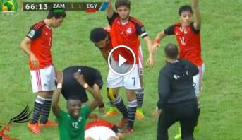 فيديو..إصابة قوية للاعب مصري تُفقده الوعي وتثير الفزع بين اللاعبين