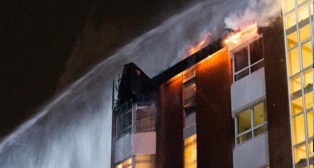 وفاة شخصين وإصابة 15 آخرين إثر حريق مهول شب في مستشفى بألمانيا