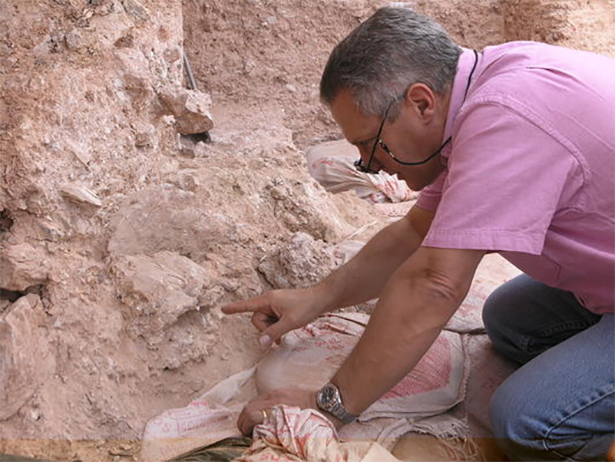 اكتشاف أقدم جمجمة إنسان عاقل بالمغرب تم على مرحلتين