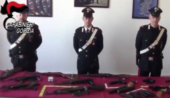 الدرك الإيطالي يصادر كمية كبيرة من الأسلحة الحربية