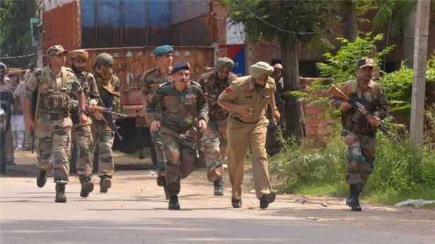 مقتل شخصين على الأقل وإصابة ثلاثة آخرين في هجوم على مقر حزب سياسي في شرق الهند