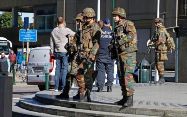 رجل يطعن اثنين من الشرطة والجيش بمحطة قطارات في ميلانو