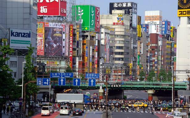 الشركات اليابانية تشرع في فحص مستوى الإرهاق لدى موظفيها