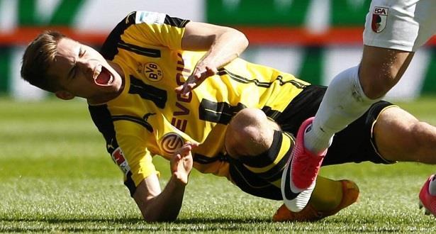 إصابة فيجل لاعب برليـن ودورتموند بكسر في الكاحل