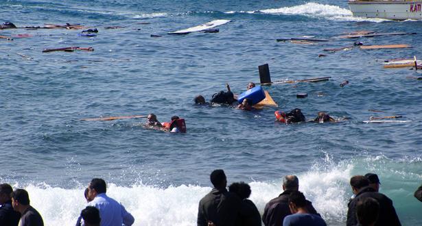 ليبيا تنتشل 105 جثث لغرقى في قارب مهاجرين وتخشى موت كثيرين غيرهم
