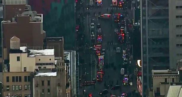انفجار في إحدى محطات الحافلات وسط مانهاتن الأمريكية