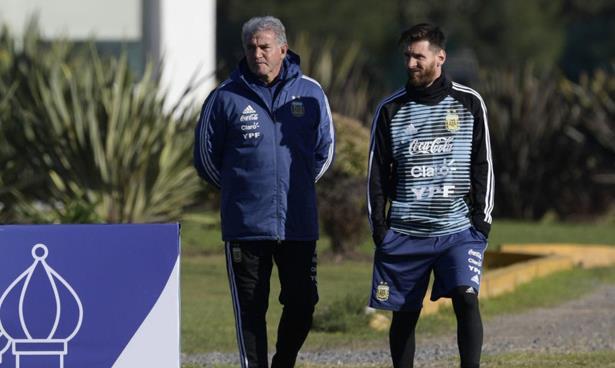 ميسي يلتحق بتداريب الأرجنتين استعدادا لمونديال روسيا