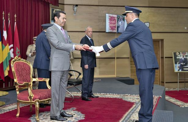 Le Prince Moulay Rachid préside la cérémonie de sortie de la 17ème promotion du Cours Supérieur de Défense et la 51ème promotion du Cours d'Etat-Major