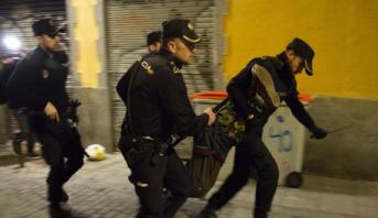 إسبانيا..إصابة خمسة عناصر من الشرطة جراء اعتداء من قبل مهاجرين وسط مدريد