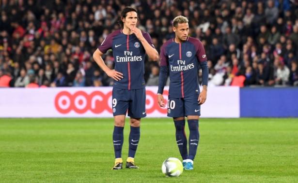 نيمار يُقدم اعتذاره لكافة لاعبي باريس سان جيرمان