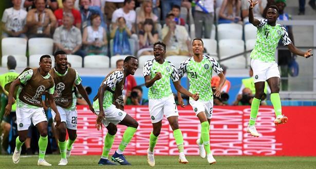 موسى يتلاعب بدفاع وحارس إيسلندا ويقود نيجيريا لفوز مُبهر