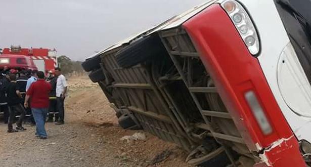 Province de Tarfaya: renversement d'un autocar transportant l'équipe féminine de football de l'Olympique de Safi, 12 blessés
