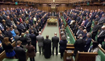 البرلمان البريطاني يستأنف جلساته غداة اعتداء لندن