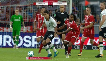 """خطأ """"طريف"""" في مباراة بايرن ميونيخ وليفربول"""