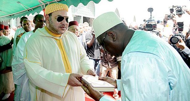 أمير المؤمنين يهدي الجهات المكلفة بتدبير الشؤون الدينية بالسينغال 10 آلاف نسخة من المصحف الشريف