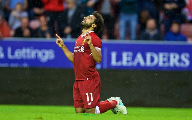 """الهوس بمحمد صلاح يدفع جماهير ليفربول إلى الغناء """"إذا سجل المزيد سأكون مسلما"""""""