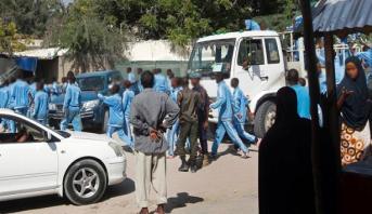 انتحاري يقتل ما لا يقل عن 17 شخصا في أكاديمية للشرطة بالعاصمة الصومالية
