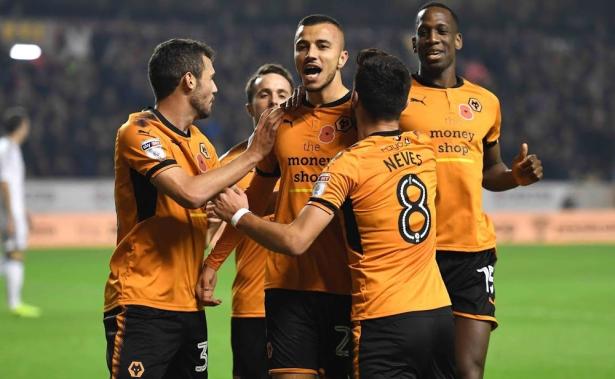 Wolverhampton en Premier League: Renard félicite Saiss et son club