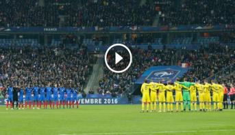 Vidéo: Minute de silence au stade de France, un an après les attentats de Paris