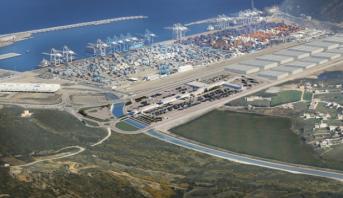 ميناء طنجة المتوسط 1 يحقق رقما قياسيا في معالجة الحاويات خلال أكتوبر الماضي
