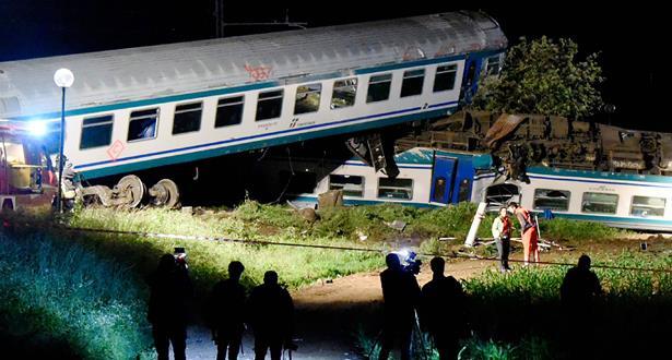مصرع شخصين وإصابة 23 آخرين في حادث قطار شمال إيطاليا