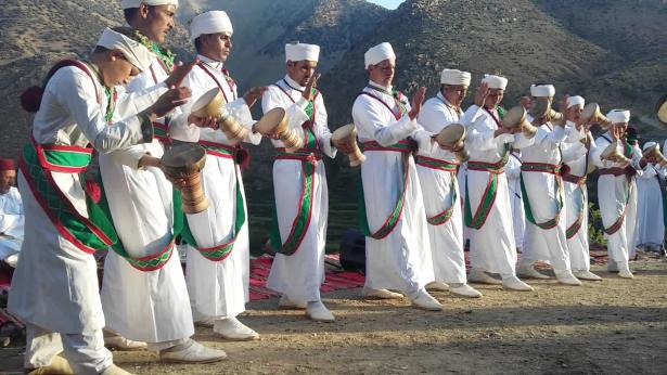 """UNESCO: la danse martiale du Haut-Atlas """"Taskiwin"""" inscrite au patrimoine mondiale de l'humanité"""