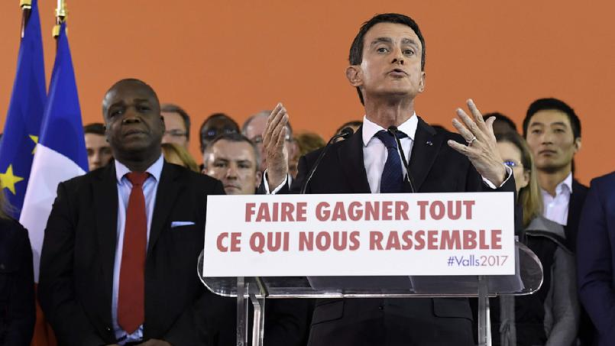 France: Manuel Valls annonce sa candidature à la présidentielle de 2017