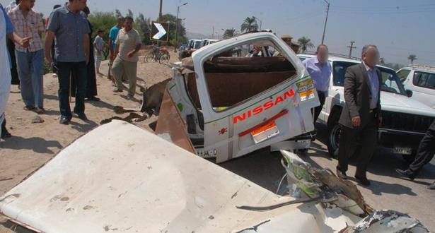 مصر.. مقتل 20 شخصا في حادث تصادم بين عربتين