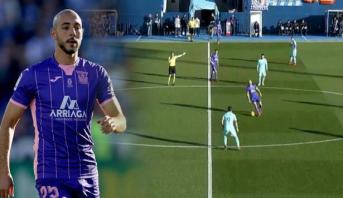 أمرابط يضع نفسه في موقف محرج في مباراته أمام برشلونة