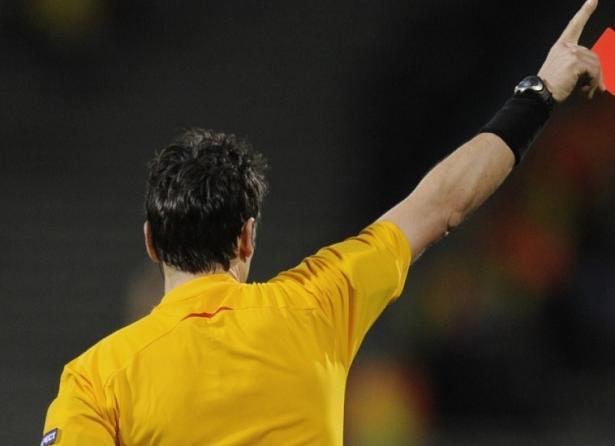 الاستعانة بالفيديو في التحكيم للمرة الأولى دوليا في مباراة ايطاليا وفرنسا