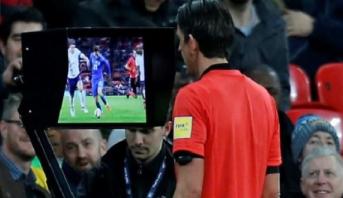 مونديال 2018.. الإعلان عن تواجد أربعة حكام مساعدين لتقنية الفيديو وشاشات عملاقة