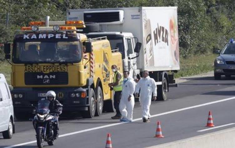 أربعة أطفال بينهم رضيعة كانوا ضمن 71مهاجرا عثر على جثثهم في شاحنة بالنمسا