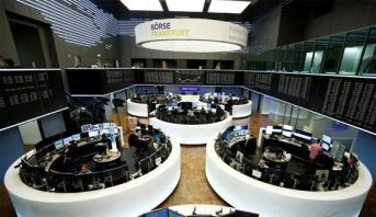 تراجع الأسهم الأوروبية من أعلى مستوياتها في شهر