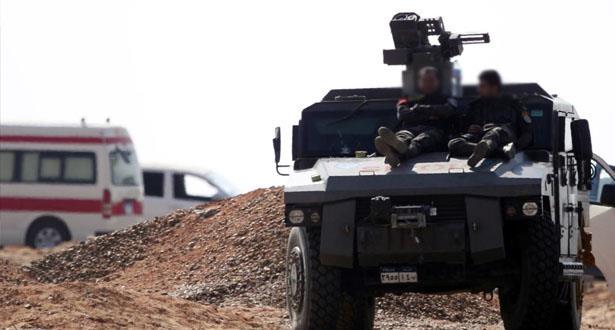 الجيش المصري يعلن تدمير عشر سيارات محملة بأسلحة وذخائر حاولت اختراق الحدود من ليبيا