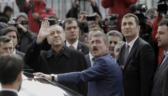 """محاولة """"اغتيال"""" أردوغان تستنفر الاستخبارات التركية"""
