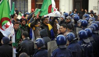 الرابطة الجزائرية للدفاع عن حقوق الانسان تدين القمع العنيف لمسيرة للأطباء المقيمين