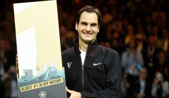 فيدرر يستعيد صدارة التصنيف العالمي لكرة المضرب عن سن يناهز 36 عاما