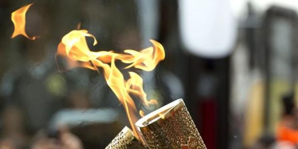 actualit jo 2016 un r fugi syrien portera la flamme olympique. Black Bedroom Furniture Sets. Home Design Ideas
