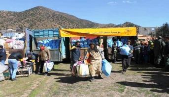 Vague de froid: la Fondation Mohammed V pour la solidarité distribue des aides au profit de familles dans la commune de Tifni