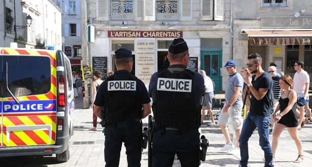 فرنسا ترحل مغربيين تبنيا الإسلام المتطرف