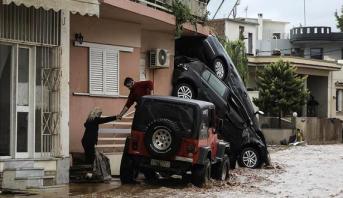 ارتفاع حصيلة الفيضانات في اليونان إلى 20 قتيلا ومفقودين اثنين