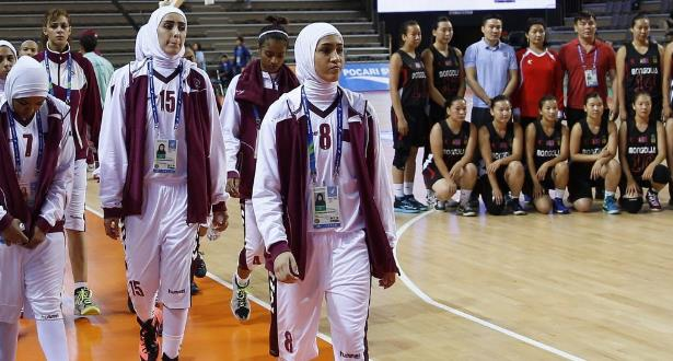 رسميا.. الاتحاد الدولي لكرة السلة يجيز ارتداء الحجاب