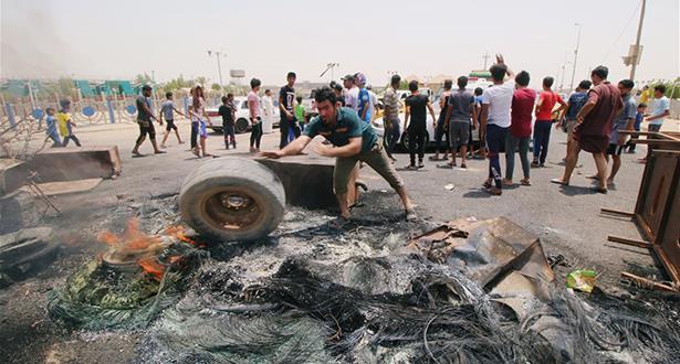 Irak: Tentative d'assaut contre un site gouvernemental lors de manifestations