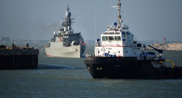 إيران تحتجز سفينة صيد سعودية وتعتقل طاقمها